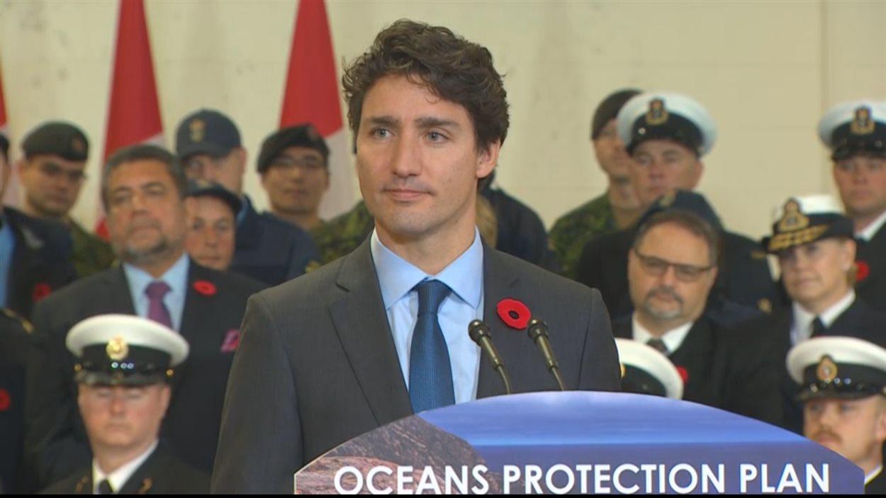 Le premier ministre Justin Trudeau lors de l'annonce du plan de protection des océans à Vancouver le 7 novembre 2016.