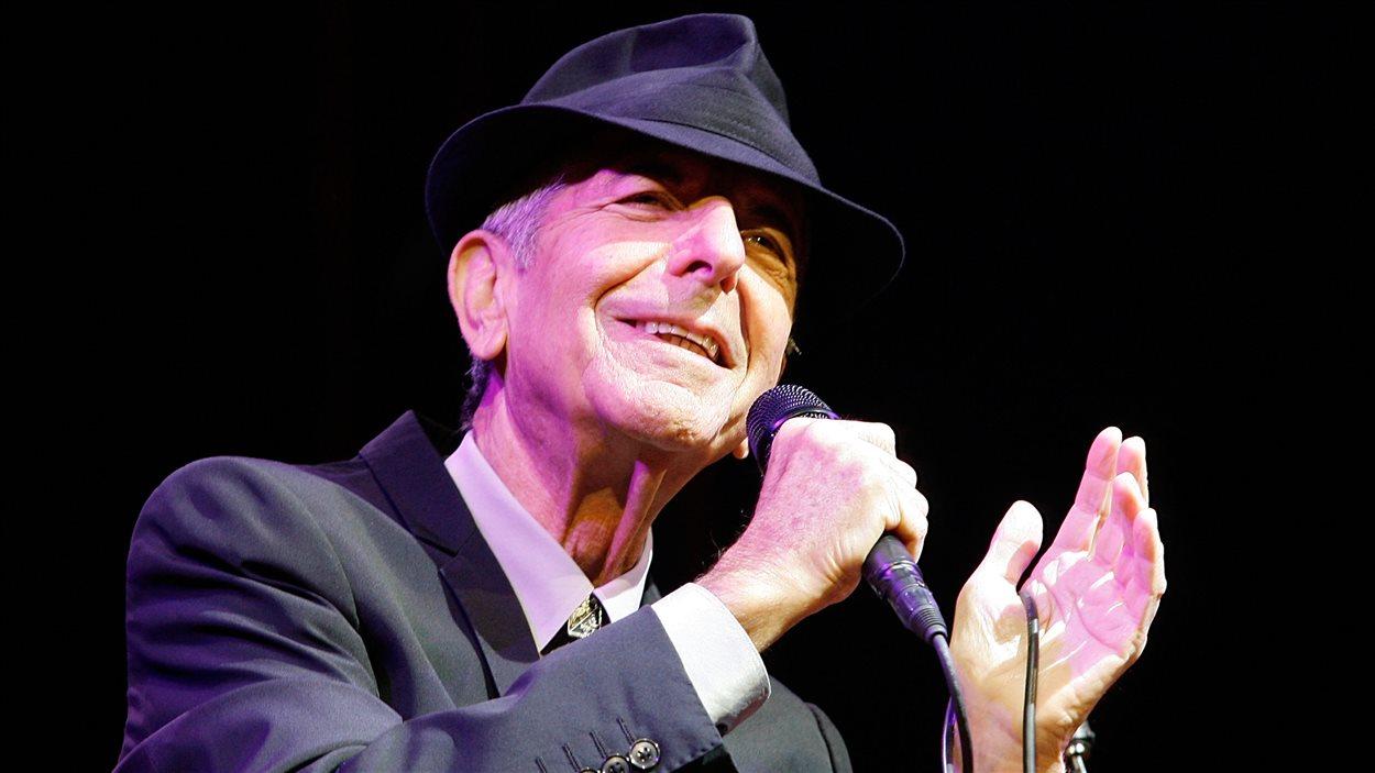 Leonard Cohen en 2009 au Festival d'art et de musique de Coachella Valley en Californie