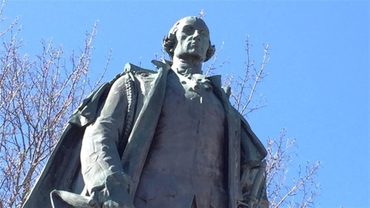 La statue d'Edward Cornwallis.