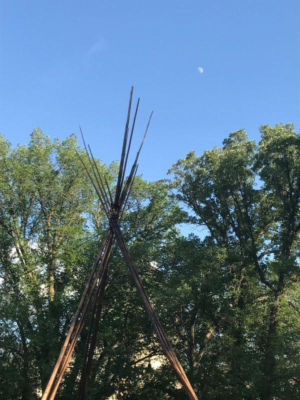 Les activistes ont érigé à nouveau le tipi dans le parc Wascana