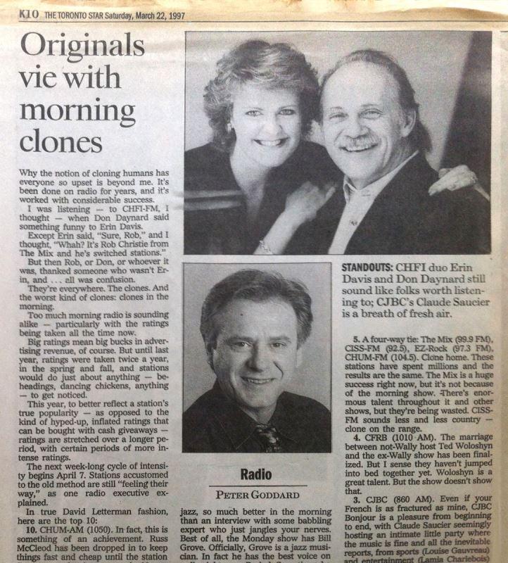 Claude Saucier entre en poste à Radio-Canada en 1994. Il a d'abord été « morning man » à CJBC-Toronto. Il n'a occupé ce poste que pendant trois ans, mais sa présence en ondes fut suffisamment marquante pour que son émission soit classée troisième meilleure émission matinale de la région, toutes langues confondues, par le journaliste Peter Goddard du Toronto Star.