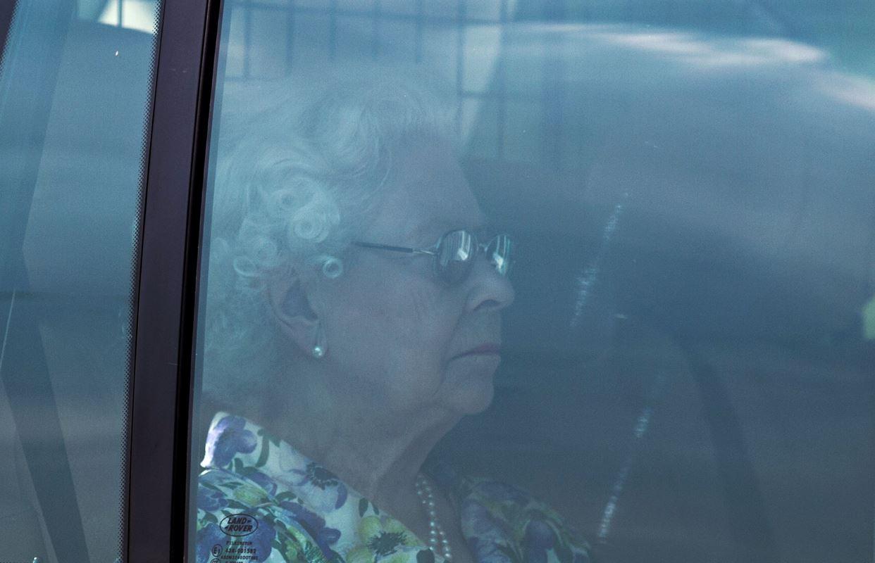 La reine de retour à Londres avant l'arrivée du bébé royal.