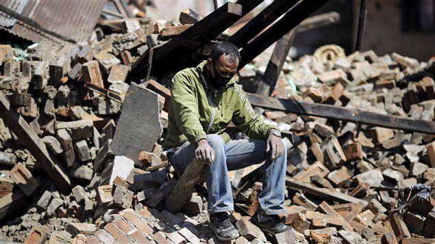 150427_l48u3_nepal-survivant_sn635