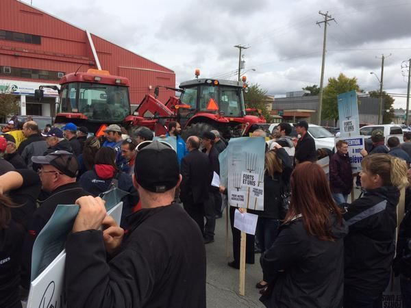 Manifestation d'agriculteurs à Rouyn-Noranda. Crédit : ICI Radio-Canada / Claude Bouchard