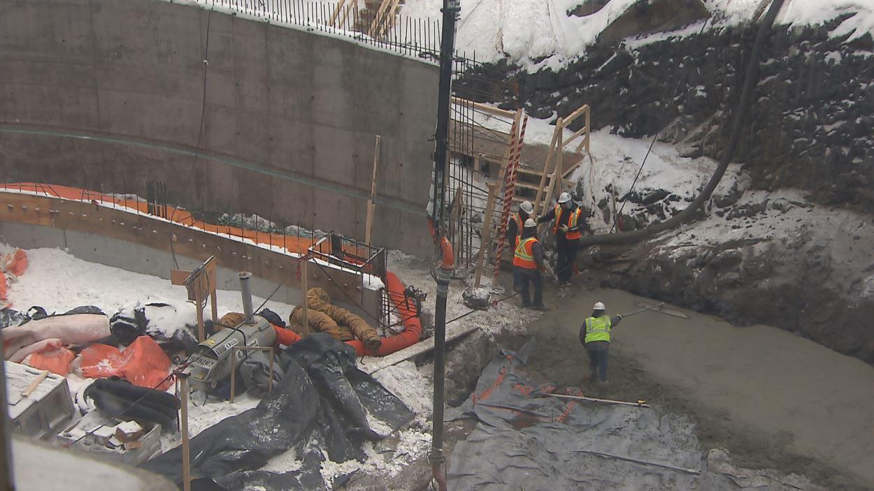 Des fondations du futur pavillon d'accueil sont maintenant coulées.