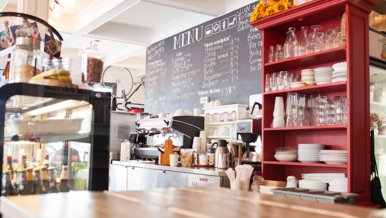 La luncherie & café O'Ravito à Saint-Romuald.