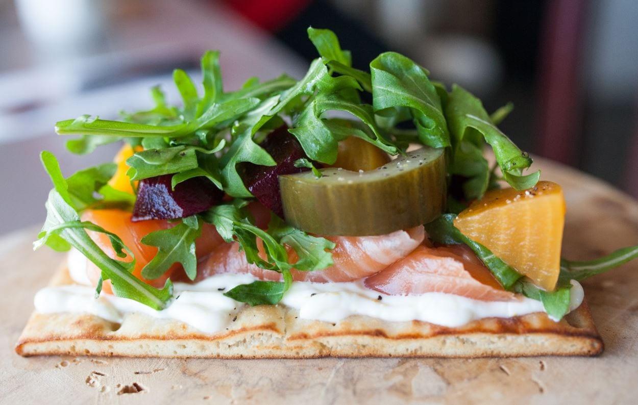 Le Poissonnier, un smørrebrød aussi connu sous le nom de tartine ou open-faced sandwich.