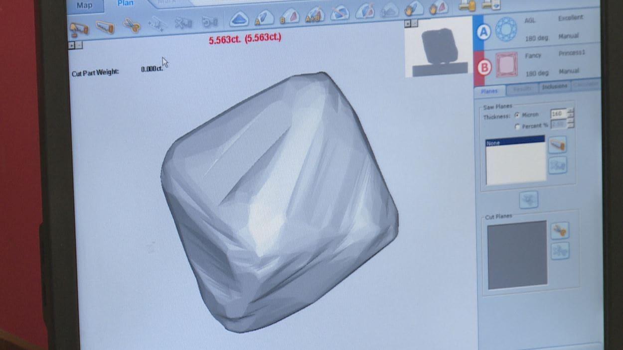 Un gros plan de l'écran d'ordinateur montre la forme du diamant en trois dimensions.